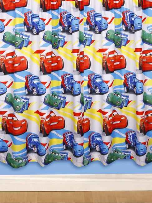 Disney Cars 2 Gordijnen | Cars 2 Kant en Klaar Gordijnen | Cars 2 ...