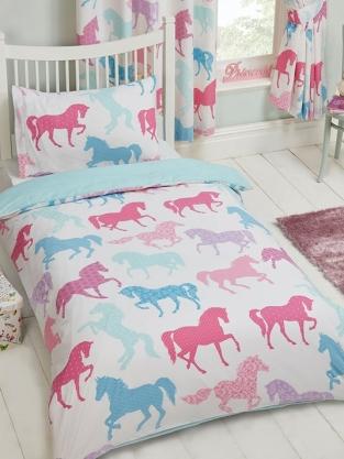 https://www.kinderkamer-shop.nl/images/productimages/smaller/duv850-patchwork-ponies-paarden-dekbedovertrek-hoes-eenpersoons.jpg